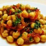 Cizrnový salát s rajčaty recept