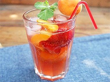 Meruňkovo-jahodová limonáda