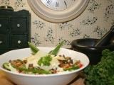 Ledový salát s hlívovými škvarečky a parmezánem recept ...