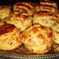 Špenátovo-česnekové překládané pagáčky recept
