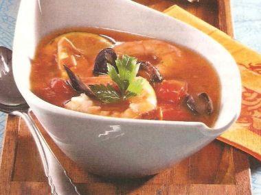 Polévka s dary moře