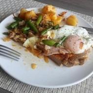 Přírodní krkovice se sázeným vejcem a fazolkami recept
