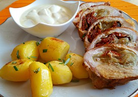 Kuřecí prsa plněná sušenými rajčaty a hlávkovým zelím recept ...