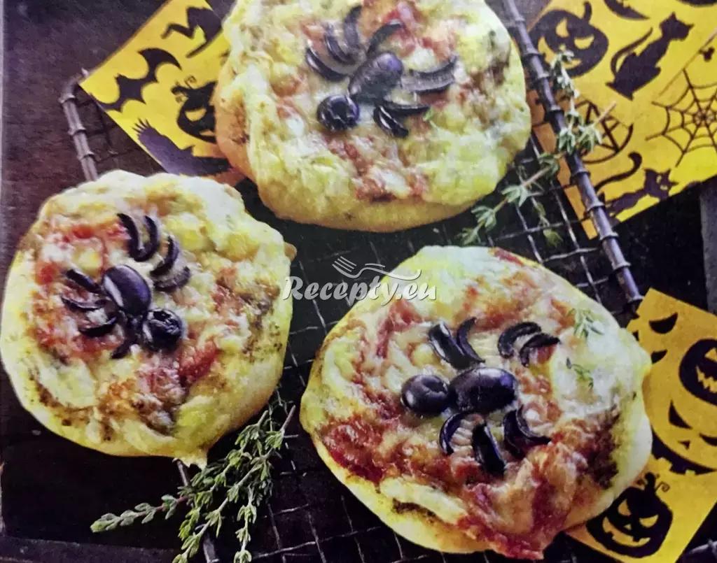 Halloweenské pavoučí pizzy recept  recepty pro děti
