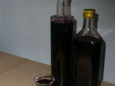 Bezinkový likér skvělý