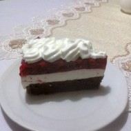 Svěží jahodový dort s tvarohovým krémem recept