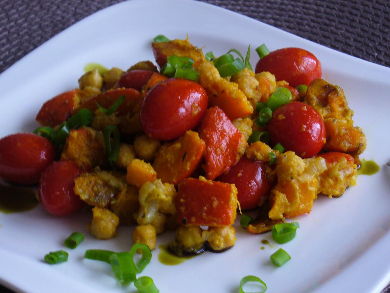 Pečená dýně s rajčaty a cizrnou recept