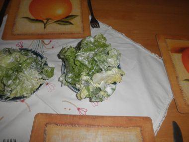 Salát hlávkový se zakysanou smetanou