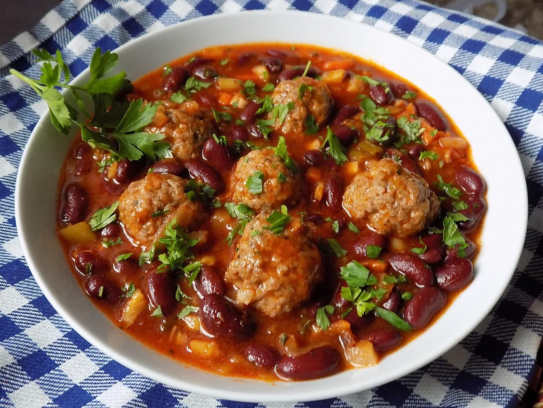Masové kuličky s fazolemi recept