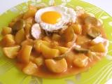 Paprikové brambory s okurkami recept