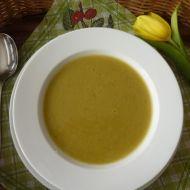 Polévka z červené čočky a kari recept