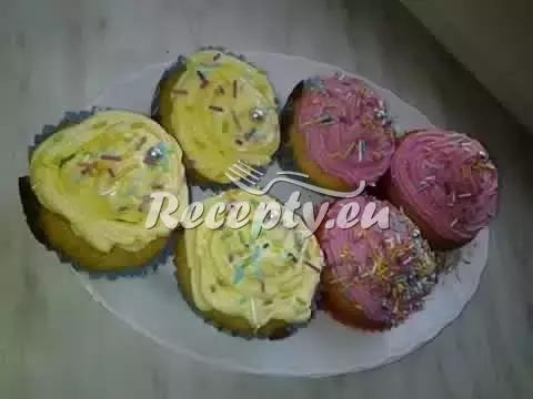 Jahodové muffiny z pudinku recept  dezerty