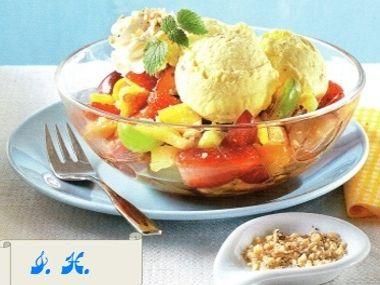 Ovocný salát s domácí zmrzlinou