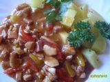 Dušené kuřecí s paprikou a šunkou recept
