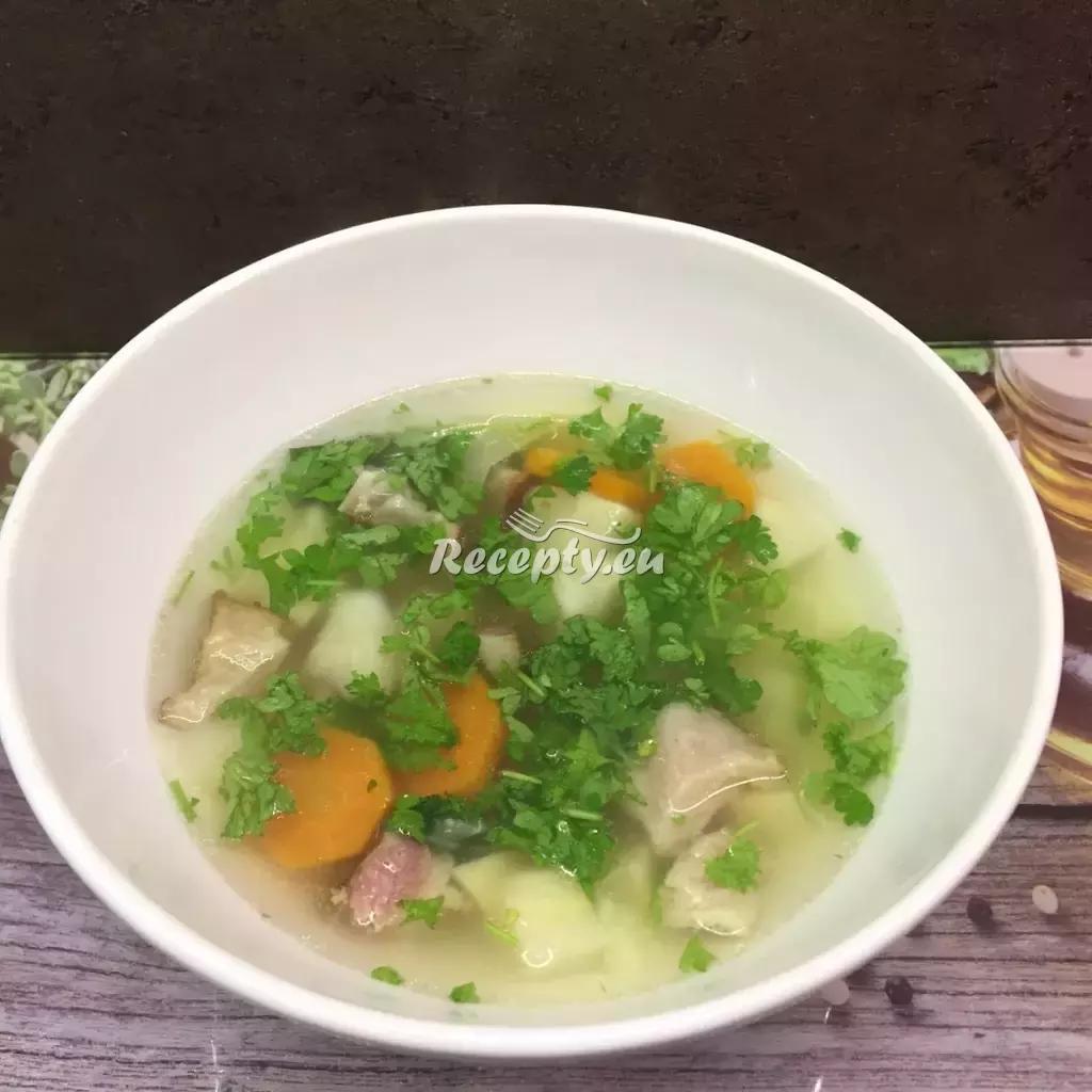 Uzená polévka s krupicí recept  polévky