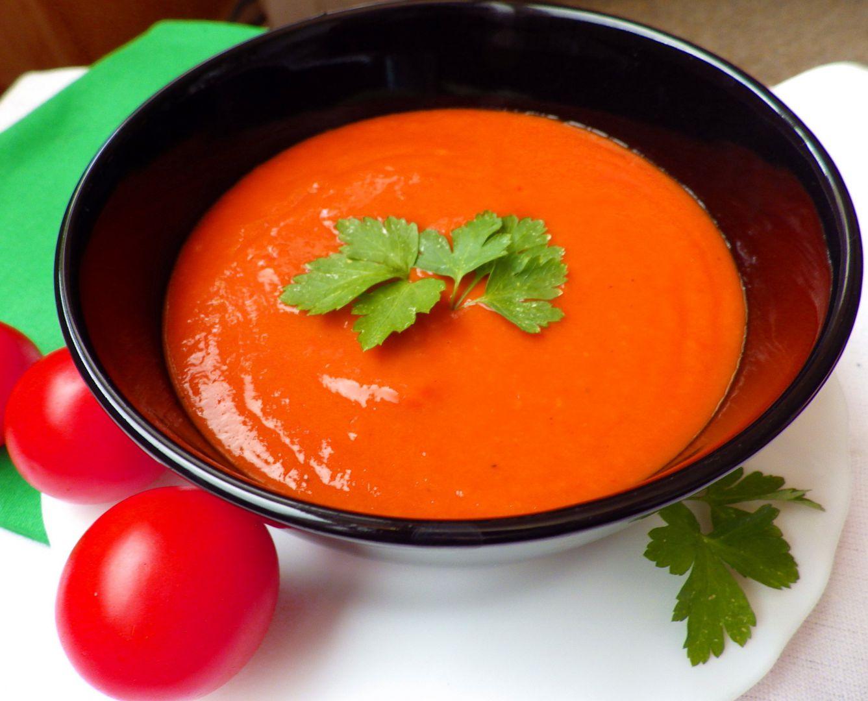 Polévka z pečených rajčat s řapíkatým celerem a pórkem recept ...