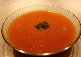 Jednoduchá mrkvová polévka se zázvorem  výborná na zimu ...