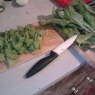Těstoviny s tyčinkami surimi a mangoldem recept