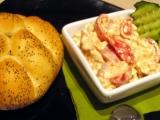 Česnekovo-rajčatová pomázánka z Cottage recept