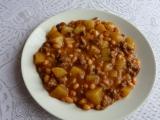 Bramborový guláš s fazolemi recept