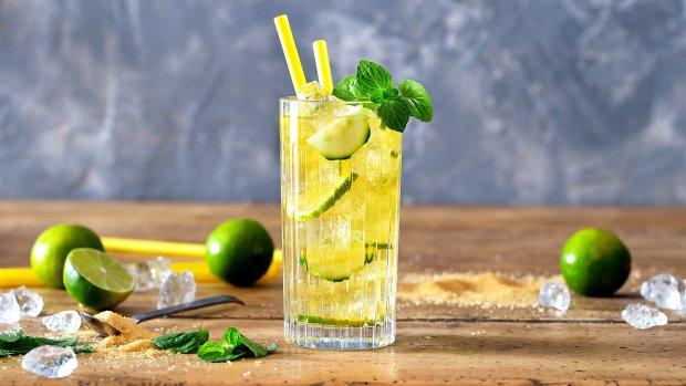 Ledový zelený čaj s okurkou