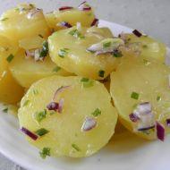 Lehký bramborový salát s pažitkou recept