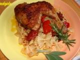 Pečená kuřecí stehna s paprikou a sušenymi rajčaty. recept ...