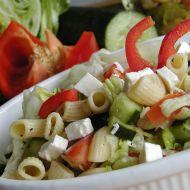 Salát z těstovin s bazalkou recept
