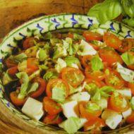 Rajčatový salát s mozzarellou recept