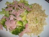 Rýže natural s brokolicí a šunkou recept