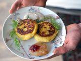 Bramborové placky plněné houbami a koprem recept