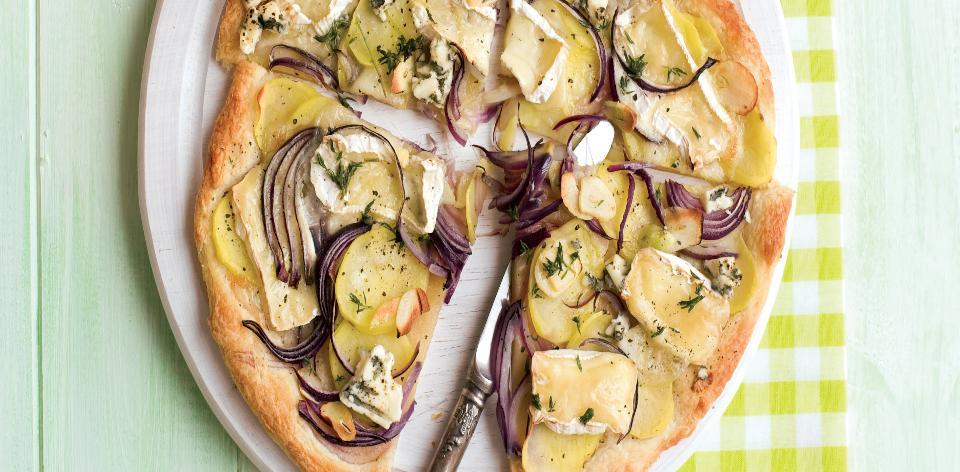 Sýrová pizza s brambory