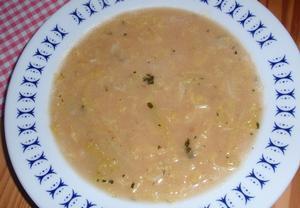 Jednoduchá jíšková polévka z kapusty