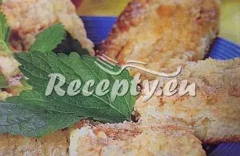 Barevný rybízový koláč recept  moučníky