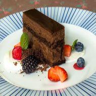 Čokoládový řez s lesním ovocem a tvarohem recept