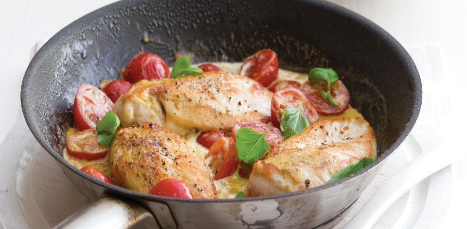 Kuře na smetaně s rajčátky