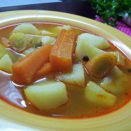 Bramborová polévka na paprice recept