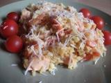 Španělská paella de marisco s krevetami a lososem recept ...