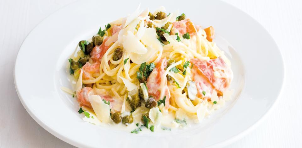 Špagety s uzeným lososem