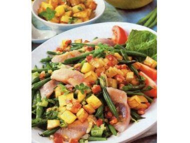 Matjesový salát s krutony a fazolkami