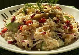 Salát z kysaného zelí s brusinkami recept