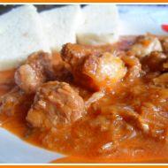 Jemný segedínský guláš recept