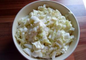 Salát z čínského zelí s kysanou smetanou