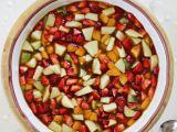 Ovocný salát s bazalkovou zálivkou a jogurtovou zmrzlinou recept ...