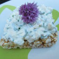 Pažitková pomazánka s balkánským sýrem recept