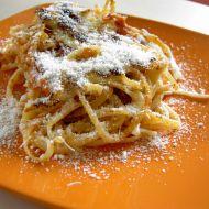 Zapečené špagety s rajčatovou omáčkou recept