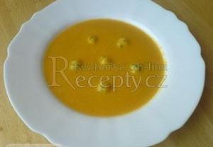 Krémová mrkvová polévka