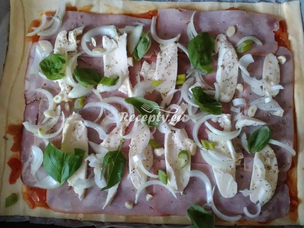 Tvarohová pizza recept  pizza