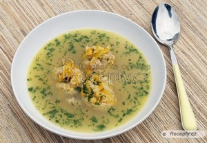 Rybí polévka s knedlíčky