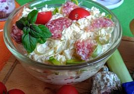 Pomazánka z trojúhelníčků Camembert, klobásy a vajec recept ...